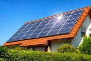 Dach und Fassade nutzen, um Strom zu produzieren