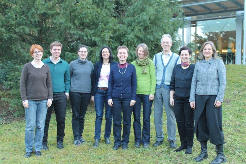 Die Mitglieder der WTT-Gruppe am ersten Workshop im Januar 2015. Von links: Astrid Björnsen Gurung (WSL), Georgios Sarantakos (SCCER FURIES), Simone Nanzer (SCCER BIOSWEET), Gloria Romera Guereca (SCCER Mobility), Anna Roschewitz (novatlantis), Sabine Hoffmann (eawag), Ueli Wieland (SCCER SOE), Carmen Kobe (SCCER CREST) und Theres Paulsen (NFP70/71)